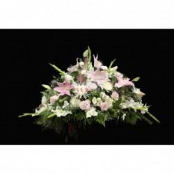 Almohadón de flor variada y...